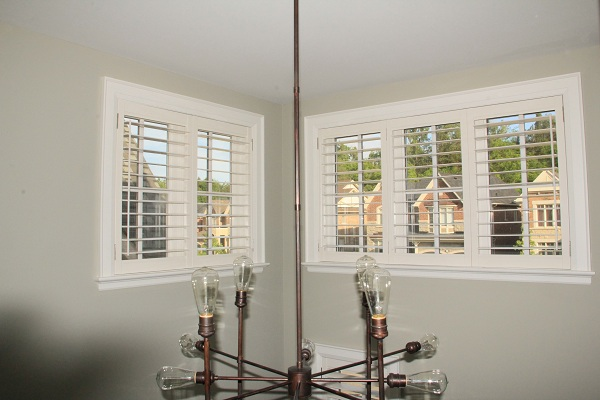 california_shutters_in_high_hall_of_new_home