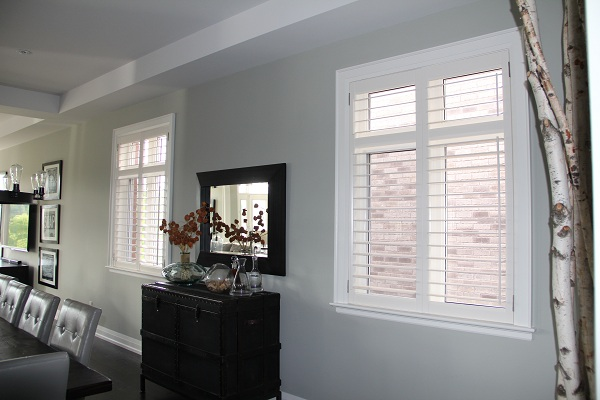 plantation_shutters_in_new_dining_room_windows