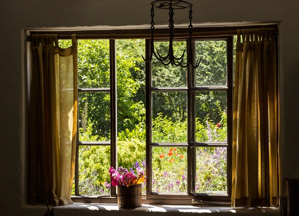 Toronto Shutter Sets Room Ambiance like Old Curtains